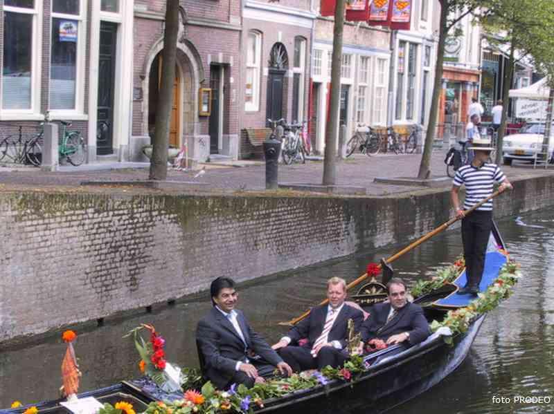 delft http://www.politiekdelft.nl/gondel_2004-08-16%20@17-19-52_gondel_.jpg